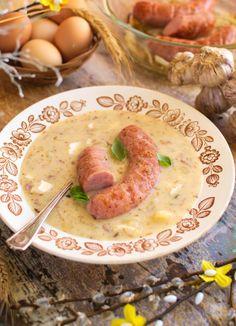 Chrzanowy żur wielkanocny z pieczoną białą kiełbasą Polish Recipes, Polish Food, Hummus, Sausage, Oatmeal, Food And Drink, Dishes, Meat, Cooking