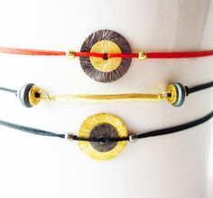 Black 'n'gold gym bracelet set