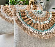 Boho Beach Embroidered Clutch Bag S/S 2020 Boho Hippie, Bracelet Denim, Jean Vintage, Jute Fabric, Embroidery Bags, Beaded Clutch, Purses And Handbags, Clutch Bag, Boho Fashion