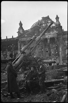 Наши в Берлине 1945.