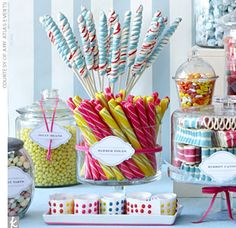 Colourful Vintage Candy Store Theme The key to pulling off the look? Amy Atlas kept the look cohesive using bright, colorful candies like sugar dots, ribbon twists, and licorice. Candy Bar Wedding, Wedding Desserts, Wedding Favors, Dessert Buffet, Dessert Bars, Dessert Tables, Food Tables, Candy Table, Candy Buffet