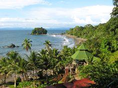 Colombia - Playa en el Pacifico, Nuquí, El Chocó.