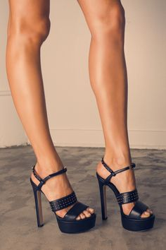 "Just got a pair of thesRuthie Davis ""Halsey"" Platforms. Uh...YES they are that amazing"