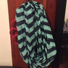 Chevron infinity scarf Very light weight ! Excellent condition barely worn Accessories Scarves & Wraps