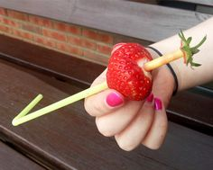 Fun way to hull strawberries www.eatdiglove.co.uk