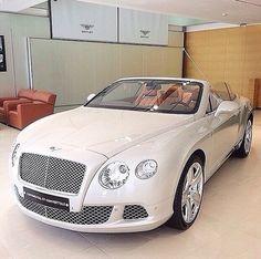 Visit The MACHINE Shop Café... ❤ Best of Bentley @ MACHINE ❤ (Bentley Continental GT Coupé) http://www.howtoopenalockedcardoor.com/