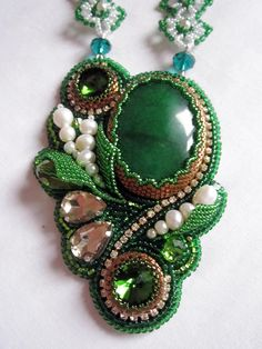 Design of the day - necklace Forest Lake by Bead Embroidery Jewelry, Soutache Jewelry, Seed Bead Jewelry, Beaded Embroidery, Beaded Jewelry, Beaded Necklace, Green Necklace, Jewellery, Shibori