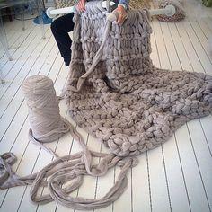 #littledandelion #handmade #throw #wool #merino #extremeknitting #shareyourknits #knitting #textiles
