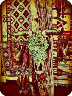 5b062b90b7c5 Encrusted cowskull. Crânes Artistiques
