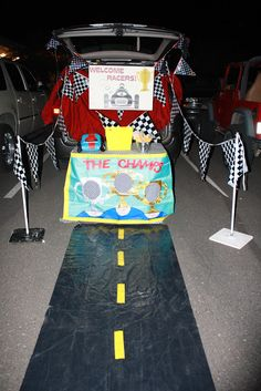 Trunk or Treat great idea for our kids trunk or treat at school!