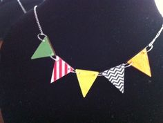 CRAFT LOVE - Stunning bright BUNTING Necklace