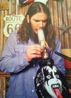 Why wouldn't Phil Anselmo have a Gene Simmons bong?