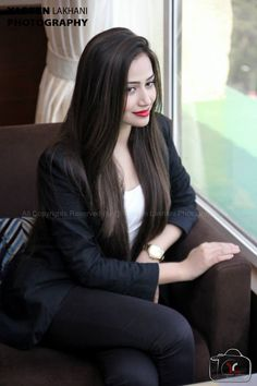Pakistani actress looking beautiful sana javed Pakistani Models, Pakistani Girl, Pakistani Actress, Pakistani Bridal, Pakistani Dresses, Exotic Beauties, Western Dresses, Celebs, Celebrities