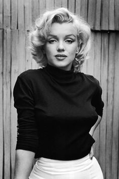 25 iconic photos of Marilyn Monroe we're raving over: Pictured with short bob hairstyle