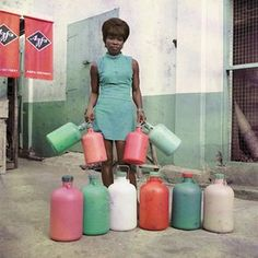 Celebrating James Barnor – the first photographer to shoot Ghana in colour    World news   The Guardian