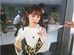 Image about pretty in lee sung kyung.💯 by pared londinense. Lee Sung Kyung Doctors, Korean Girl, Asian Girl, Korean Style, Bok Joo, Joo Hyuk, Park Shin Hye, Kdrama Actors, Korean Model