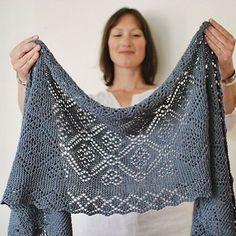 Stonecrop pattern by Jared Flood Ravelry: Project Gallery for Stonecrop pattern by Jared Flood Record of Knitting Wool spinning, weaving and sewing jobs . Knit Or Crochet, Lace Knitting, Crochet Shawl, Crochet Vests, Crochet Edgings, Crochet Motif, Shawl Patterns, Knitting Patterns, Crochet Patterns