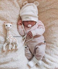 Simple Joys by Carter's Baby Girls' Short-Sleeve Bodysuit Cute Baby Boy, Carters Baby Girl, Baby Kind, Cute Baby Clothes, Baby Love, Cute Kids, Cute Babies, Babies Clothes, Baby Baby