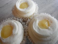 Lemon White Chocloate Cream Cheese Cupcakes