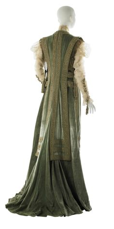 Would make a fabulous Urizen robe even though it's actually edwardian