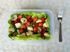 Nati jest fit!: 8 pomysłów na zdrowe drugie śniadanie do szkoły / pracy Lunch Box, Meat, Chicken, Fitness, Food, Bento Box, Meals, Excercise, Health Fitness