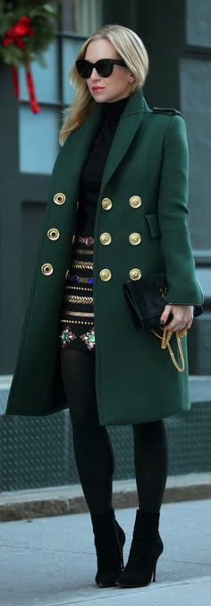 WHEN FASHION MEETS ART - Green Long Sleeve Coat with Black Jewel And Gold Embellished Midi Skirt / Brooklyn Blonde * casaco estiloso