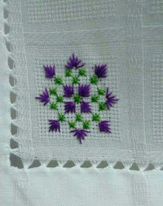 free swedish embroidery patterns that look like scottish Bordados Tambour, Tambour Embroidery, Basic Embroidery Stitches, Hardanger Embroidery, Needlepoint Stitches, Hand Embroidery Designs, Embroidery Patterns, Mini Cross Stitch, Cross Stitch Borders