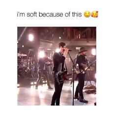 ideas memes funny bae god for 2019 Shawn Mendes Music, Shawn Mendes Memes, Funny People Pictures, Funny Pictures With Captions, New Memes, Funny Memes, Shawn Mendas, Mendes Army, Chon Mendes