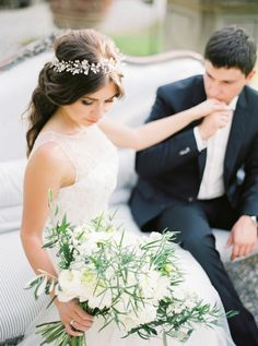 Photography : Darya Kamalova From Thecablookfotolab Read More on SMP: http://www.stylemepretty.com/little-black-book-blog/2015/12/31/intimate-organic-tuscan-villa-elopement/