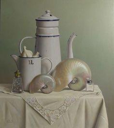 by Klaas Wiedijk (artist) Still Life Images, Still Life Art, Illusion Drawings, Seashell Painting, Still Life Flowers, Painted Shells, Still Life Oil Painting, Realistic Paintings, Shell Art