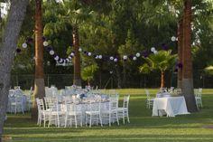 Jardín - montaje de mesas