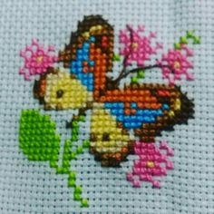Lovely floral/roses cross stitch embroidered tablecloth in Butterfly Cross Stitch, Mini Cross Stitch, Cross Stitch Cards, Cross Stitch Rose, Simple Cross Stitch, Modern Cross Stitch, Cross Stitch Designs, Cross Stitching, Cross Stitch Patterns