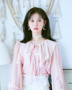 #181202 DIA 💎 Yebin | @yebin_o3o @ Naver Starcast Update 🍇 . 📷 Naver Starcast ‹‹ #Yebin #예빈 #BaekYebin #백예빈 #DIA #다이아 #AID #에이드 #TheUnit… Kpop, Yebin Dia, Real Beauty, Asian Beauty, Kid Styles, Beautiful Asian Girls, Bell Sleeve Top, Ruffle Blouse, The Unit