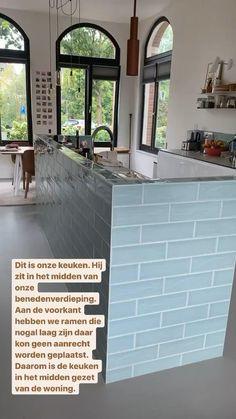 In mijn stories geef ik tips en inspiratie voor je huis. Vandaag onze keuken indeling. Villa, Windows, Photo And Video, Tips, Furniture, Instagram, Home Decor, Window, Interior Design