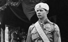 """Regele Mihai, în vizită la Hitler, in 1939 : """"Ridica tonul până la urlet, ca un sălbatic. Voia să impresioneze cu orice preţ şi o lua razna"""""""