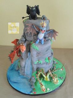 Cake Design Dragon Trainer : 1000+ images about HOW TO TRAIN YOUR DRAGON Fondant Cake ...