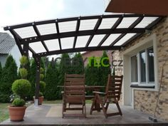 Dřevěná pergola WOODY ARC, lexan s fast-lock systémem Home And Garden, Iron Lanterns, Porch Area, Roofing, Pergola Designs, Modern, Wall Spaces, House, Living Spaces