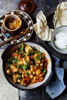 Spiced Potato Chickpea & Spinach Stew