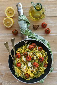 Giornata Nazionale dell'ASPARAGO. #c52asparago #calendar52 #italianfoodcalendar  http://blog.giallozafferano.it/chiccodiriso/tagliatelle-agli-asparagi-baccala-pomodorini-e-limone/