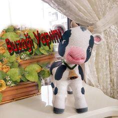 Sütaş calf making Amigurumi Toys, Crochet Toys, Handicraft, Calves, Dinosaur Stuffed Animal, Winter Hats, Mirrors, Socks, Animales