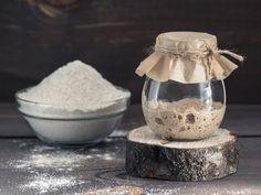 Surdeig: Slik lager du starter til surdeigsbrød