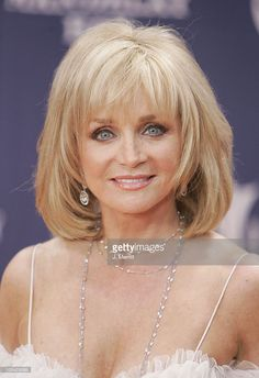 Barbara Mandrell received the Academy's Pioneer Award at the 36th Annual Academy of Country Music Awards at the Universal Amphitheatre in Los Angeles, Ca. Description from gettyimages.com. I searched for this on bing.com/images
