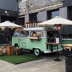  Use to get featured⠀  . Coffee Van, Coffee To Go, Cafe Shop Design, Cafe Interior Design, Kombi Food Truck, Coffee Food Truck, Mobile Coffee Shop, T6 California, Coffee Trailer