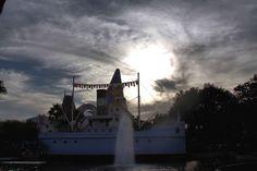 https://flic.kr/p/dkTRAJ | ECHO LAKE | Disney Studios Walt Disney World