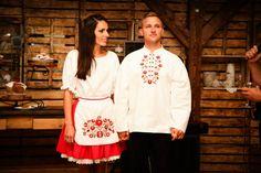 Matyó mintás menyecske ruha Christmas Sweaters, Wedding Ideas, Dresses, Fashion, Vestidos, Moda, Fashion Styles, Christmas Jumpers, The Dress