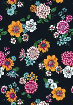 Susanna Nousiainen #patterndesign #printandpattern #printdesign #surfacedesign #surfacedesigner #textiledesign #printdesigner #patterndesign #meetthedesigner #Roses #flowerpattern #summerpattern
