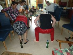 oud Hollandse spelletjes Hen Party Games, Adult Party Games, Bachelorette Party Games, Family Fun Games, Family Game Night, Bridal Shower Games, Baby Shower Games, Redneck Christmas, Twenties Party
