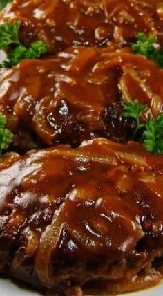 Salisbury Steak with Caramelized Onion Gravy sooo good! Winner winner Salisbury steak dinner :-D Beef Dishes, Food Dishes, Main Dishes, Meat Recipes, Cooking Recipes, Hamburger Steak Recipes, Hamburger Steaks, Recipies, Beef Steak