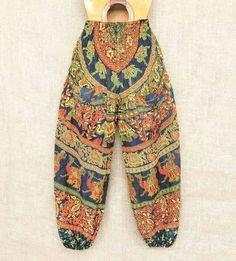 Calça indiana em algodão  Por R$6490  Conheça todas as nossas estampas pelo Whatsapp: 13982166299