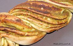 Ein leckeres Zupfbrot mit Pesto drauf. Welches Pesto man verwendet, richtet sich nach dem eigenen